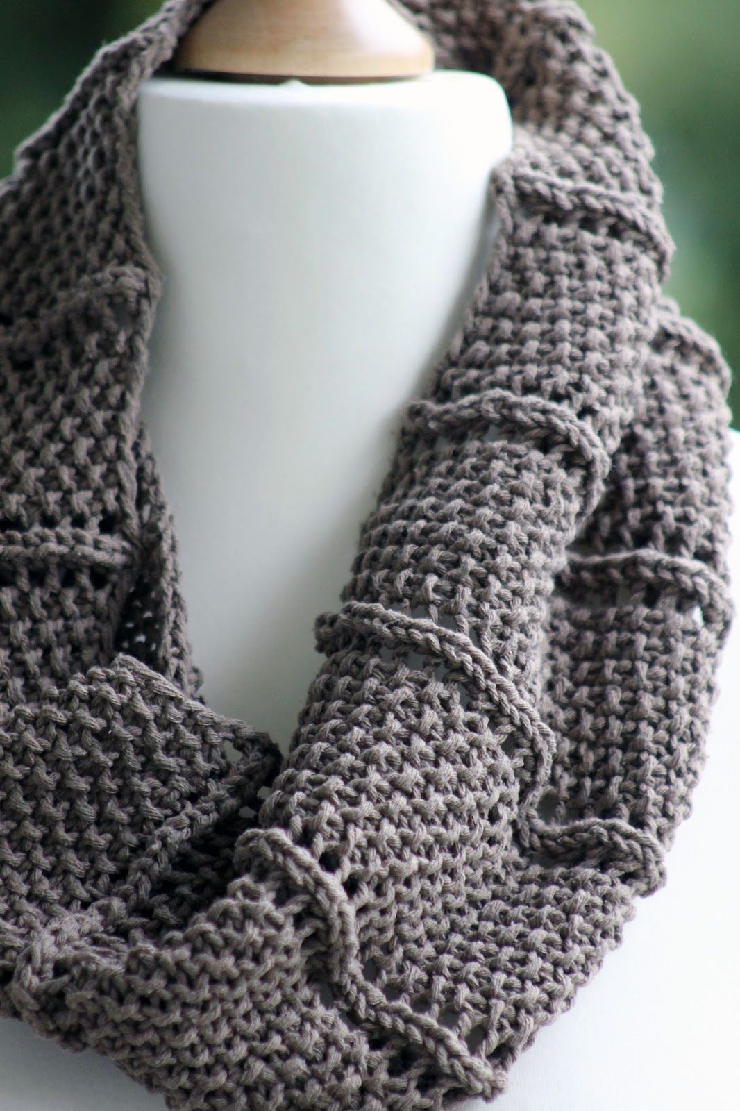 Free knitting pattern 2 row repeat cowl an easy two row repeat free knitting pattern 2 row repeat cowl an easy two row repeat creates the great bankloansurffo Images