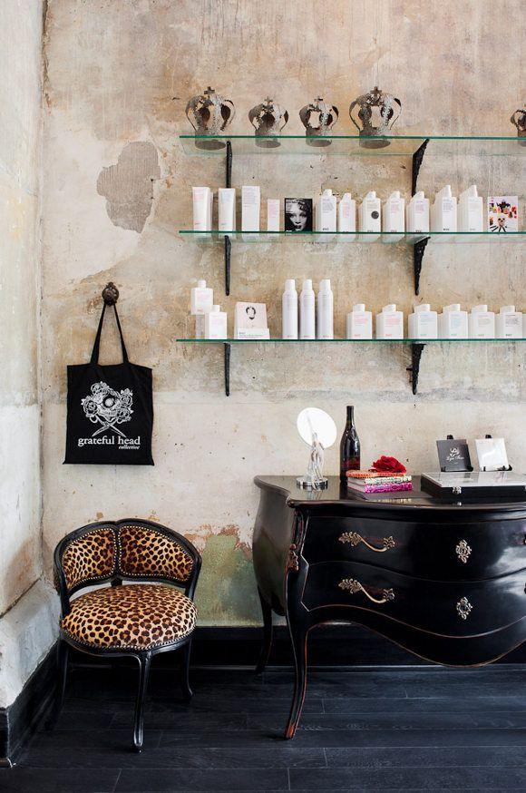 Un salon de coiffure au style glam 39 rock salons salon ideas and future - Ideas para un salon ...
