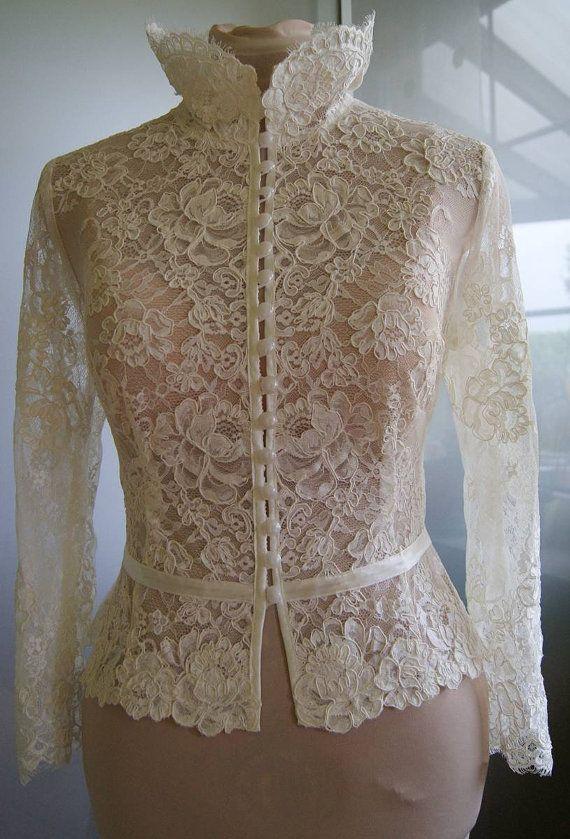 Hochzeit Bolero-Top-Jacke mit Spitze Alencon Ärmel. von TIFFARY