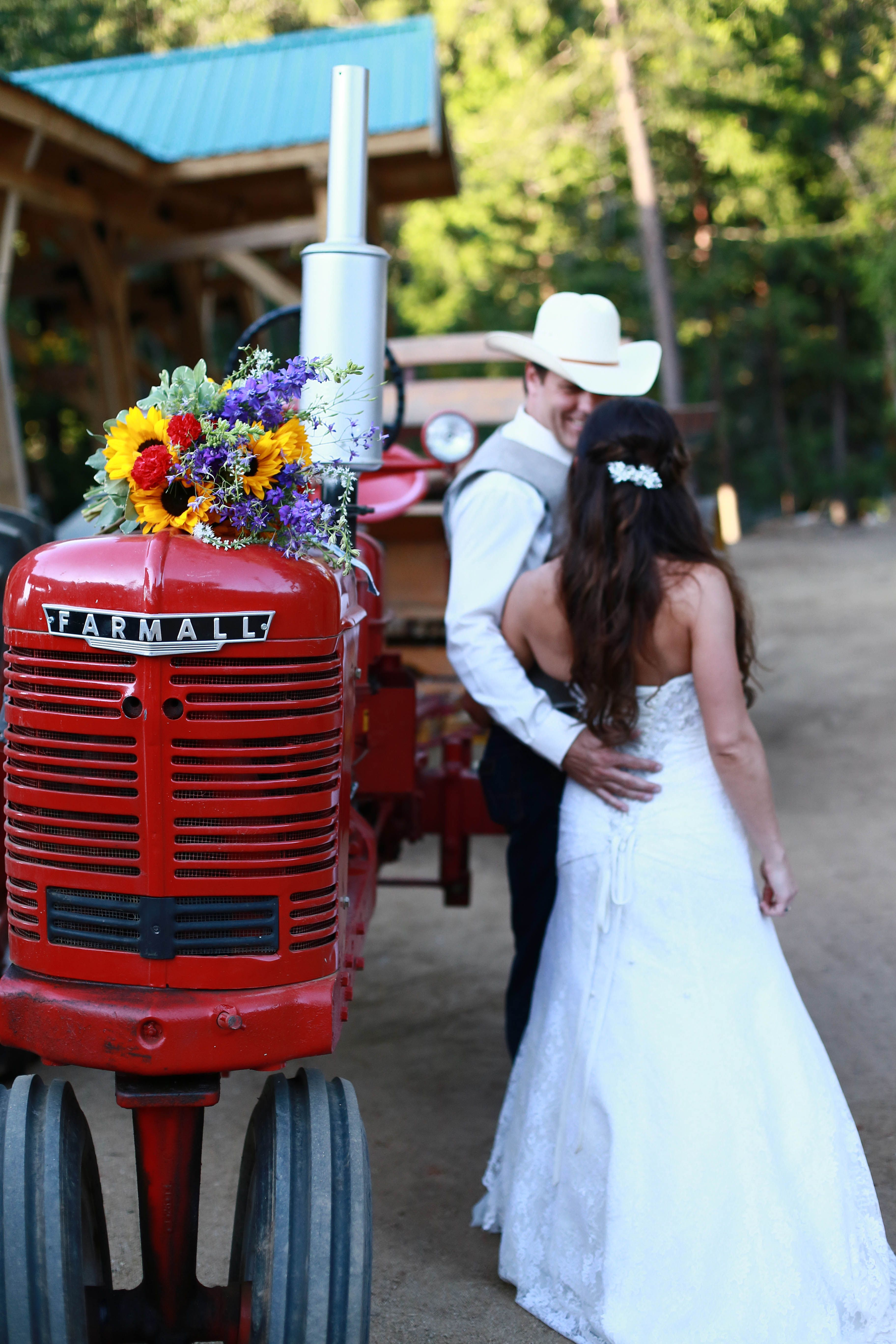 Pin By Saluti Cellars On Western Wedding At Saluti Cellars Romantic Wedding Ceremony Country Chic Wedding Western Wedding