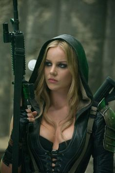 Abbie Cornish: Abbie Cornish brandishes shotgun at the shooting range.  She's wielded a gun several ti...