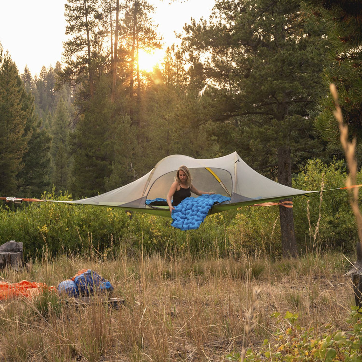 This unique and comfortable outdoor shelter is not only fun and immensely comfortable but also elevates you above inhospitable ground conditions insects ... & Stingray Tree Tent (Forest Green) | Camping/Hiking/Outdoor ...