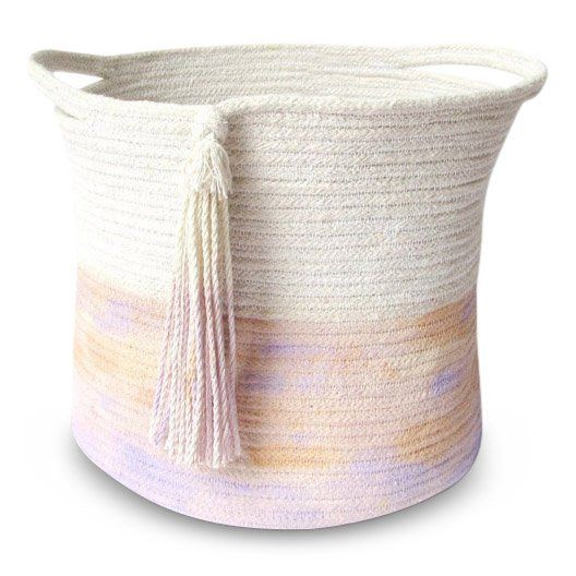 Light and bright, small rope basket with soft dip dye tassel and sturdy rope handles.