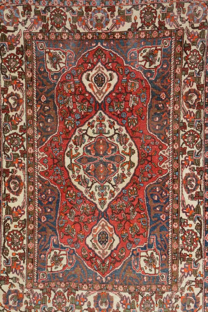 Bakhtiar, Persia, circa 50 years old, wool/cotton, approx. 199 x 137 cm