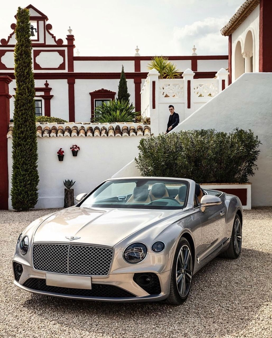 26++ Young luxury cars High Resolution