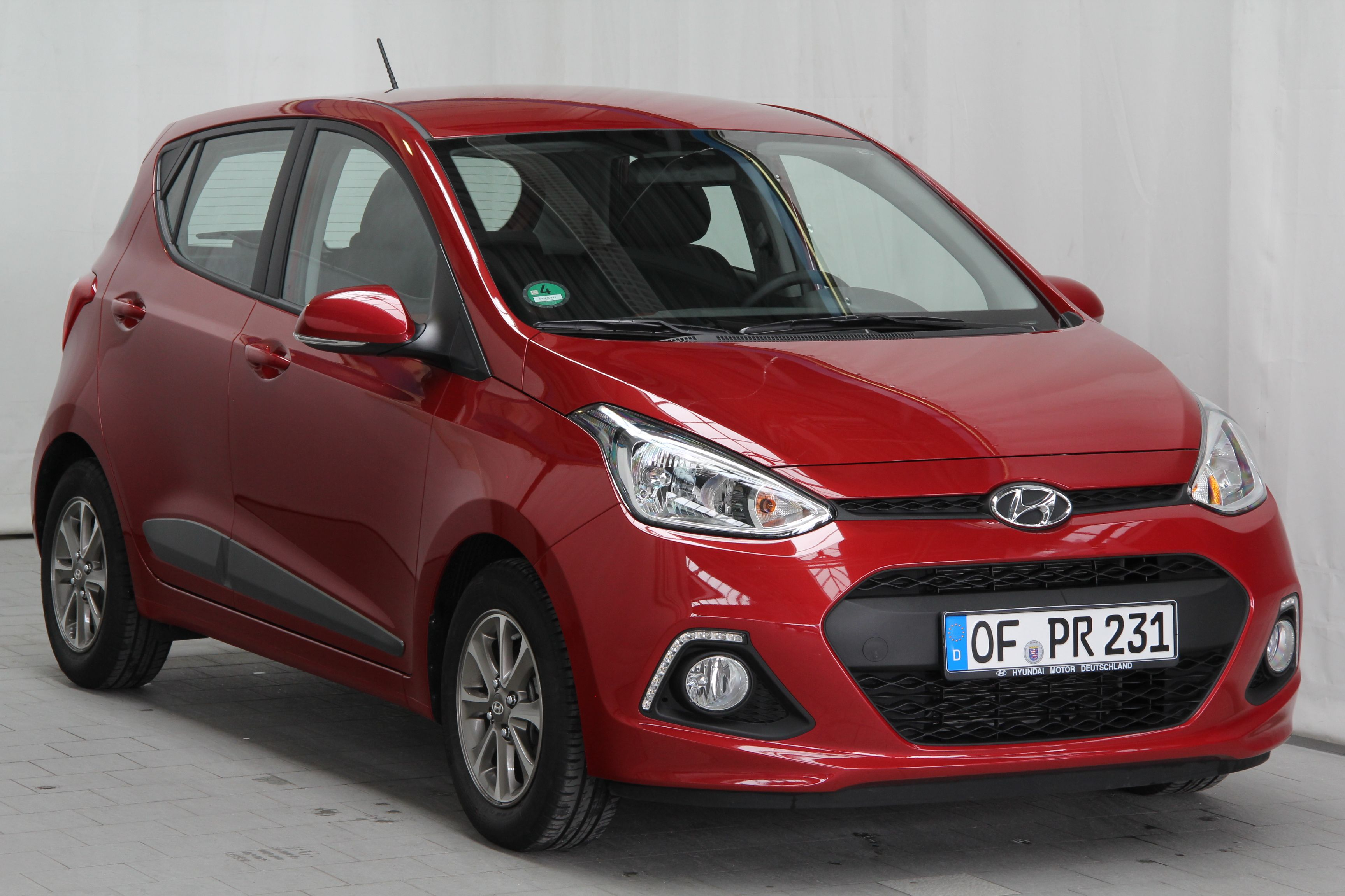 Front View Hyundai I10 1 0 Style 5dr Hatch 2014