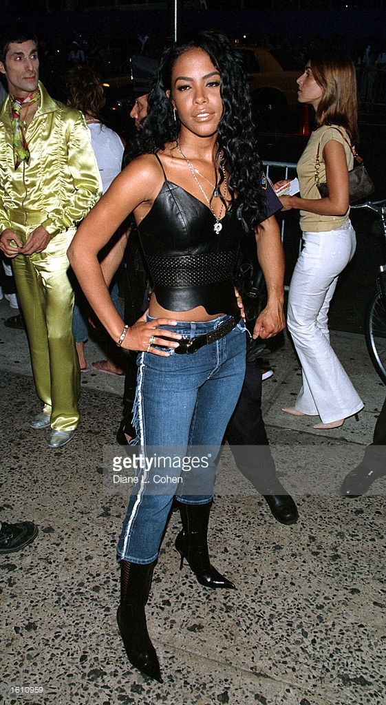 Actress/singer Aaliyah attends MTV''s 20th Anniversary