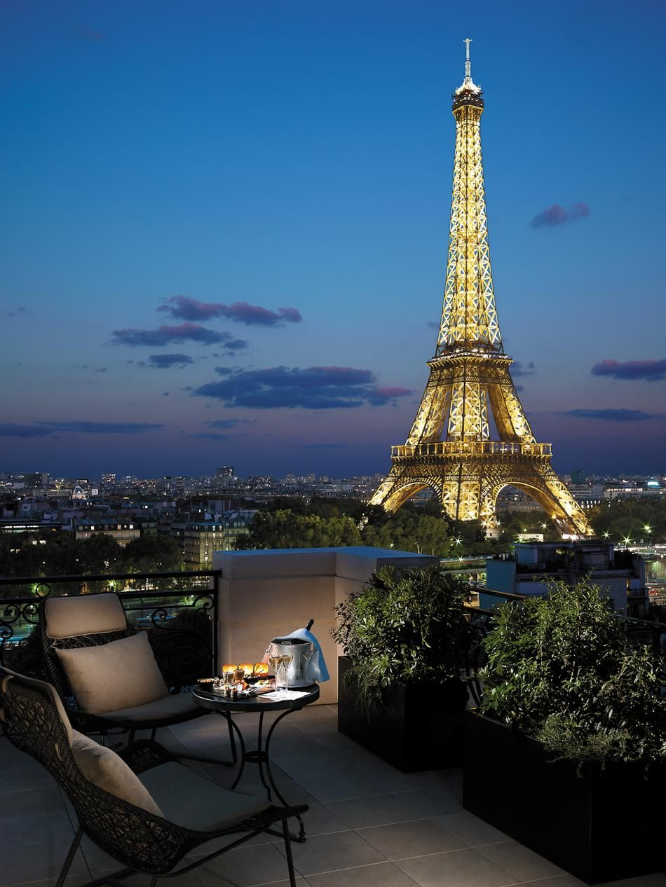 Shangri La Hotel Paris Offers Some Of The Best Eiffel Tower Views In City Is Located A 19th Century Palace Heart