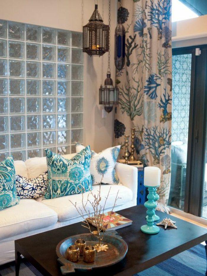 orientalische möbel design ideen weißes sofa dekokissen in weiß - vorhange wohnzimmer grun