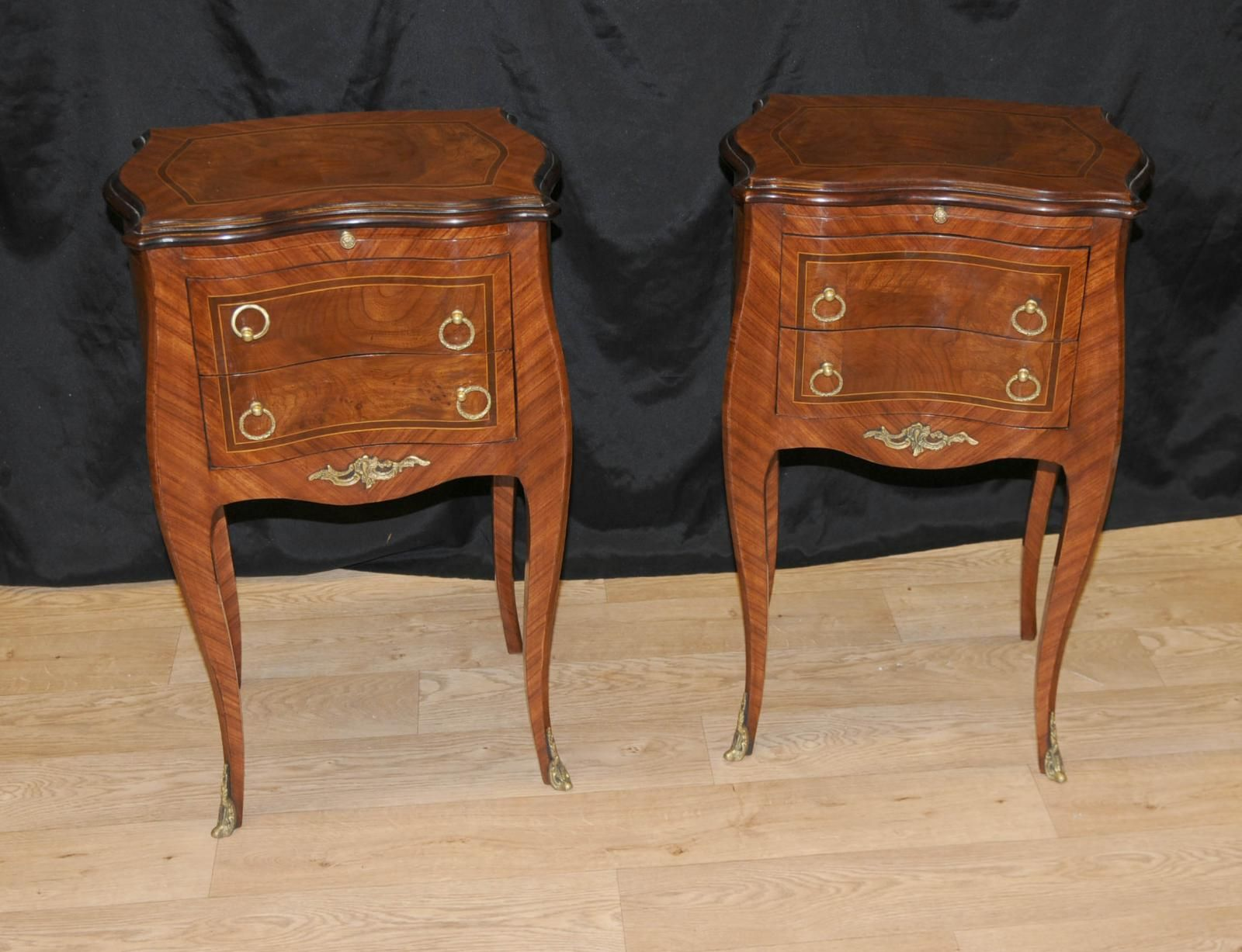 Best Pair Walnut Victorian Nightstands Bedside Chest Drawers 400 x 300