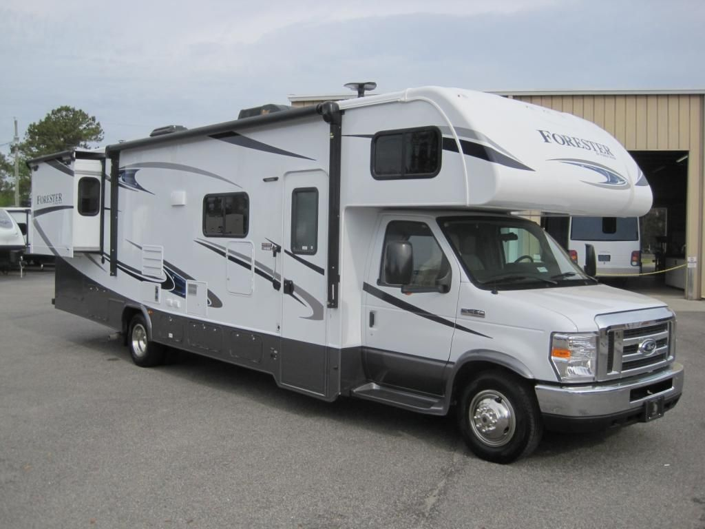 2019 FOREST RIVER FORESTER RV for sale in Texas.