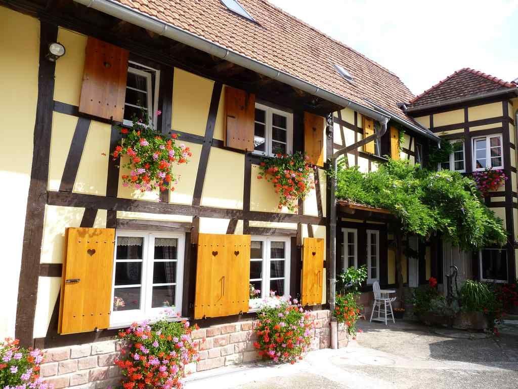 Chambres D Hotes A La Ferme Kurtzenhouse Facade Maison Bed Breakfast Et Styles Traditionnels