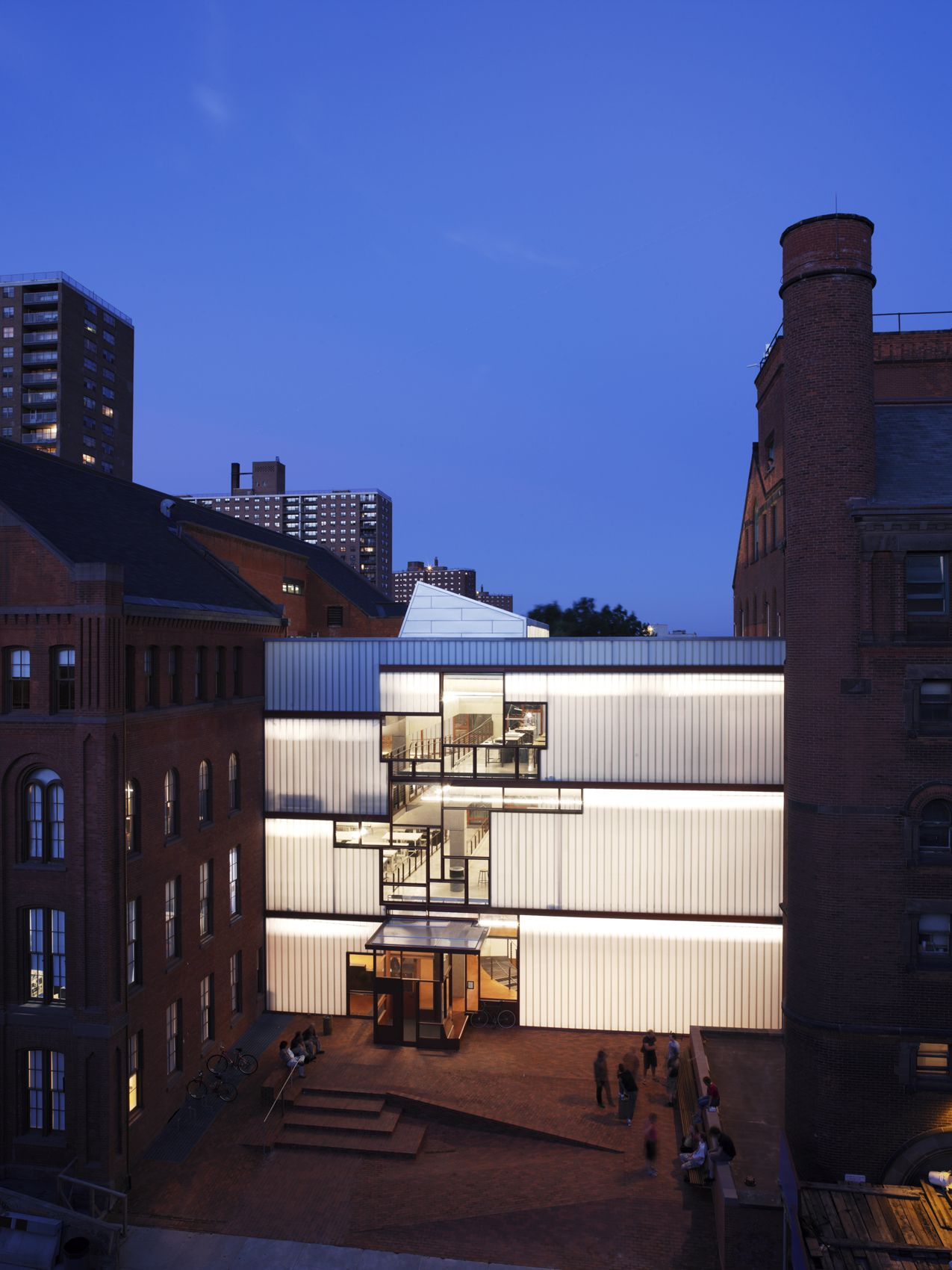 Gallery of new queens library at hunters point steven - Estudio arquitectura toledo ...