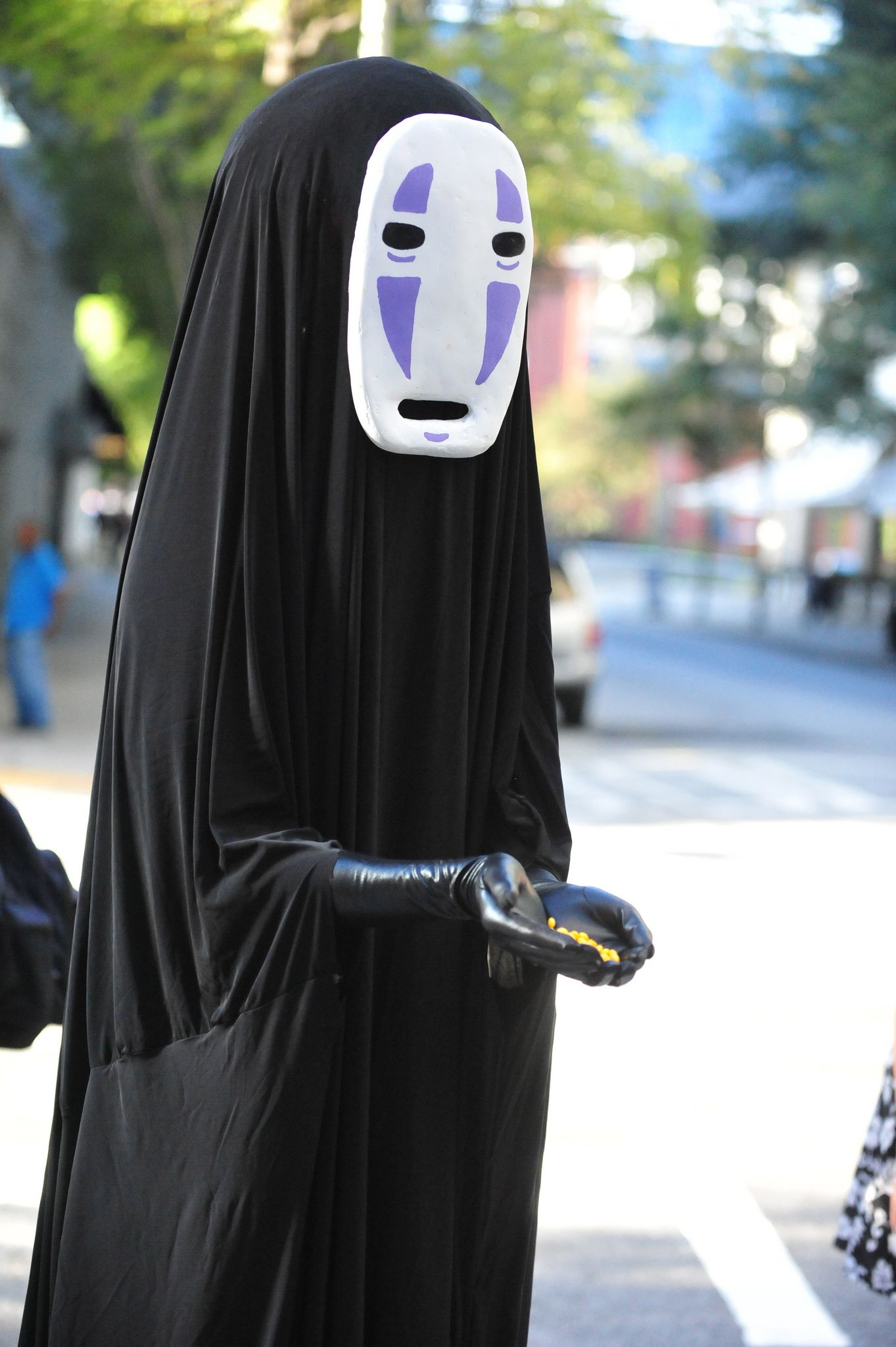 No Face From The Anime Movie Spirited Away Halloween Costume Anime Anime Halloween No Face Costume