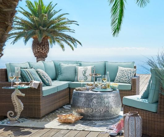Outdoor coastal beach decor for the summer beach house - Beach house furniture ideas ...