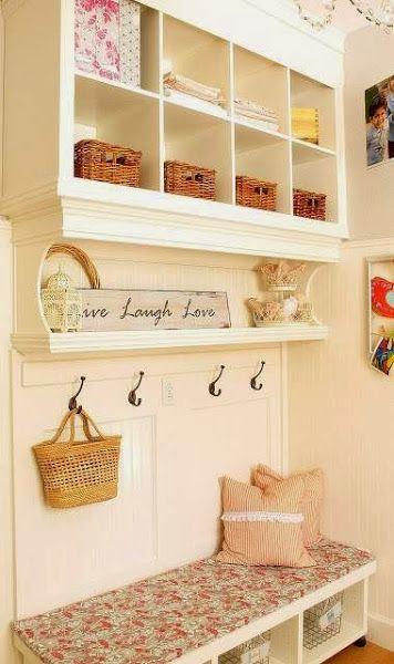 Recibidor estanteria besta con molduras. Banco Ikea | Ideas para la ...