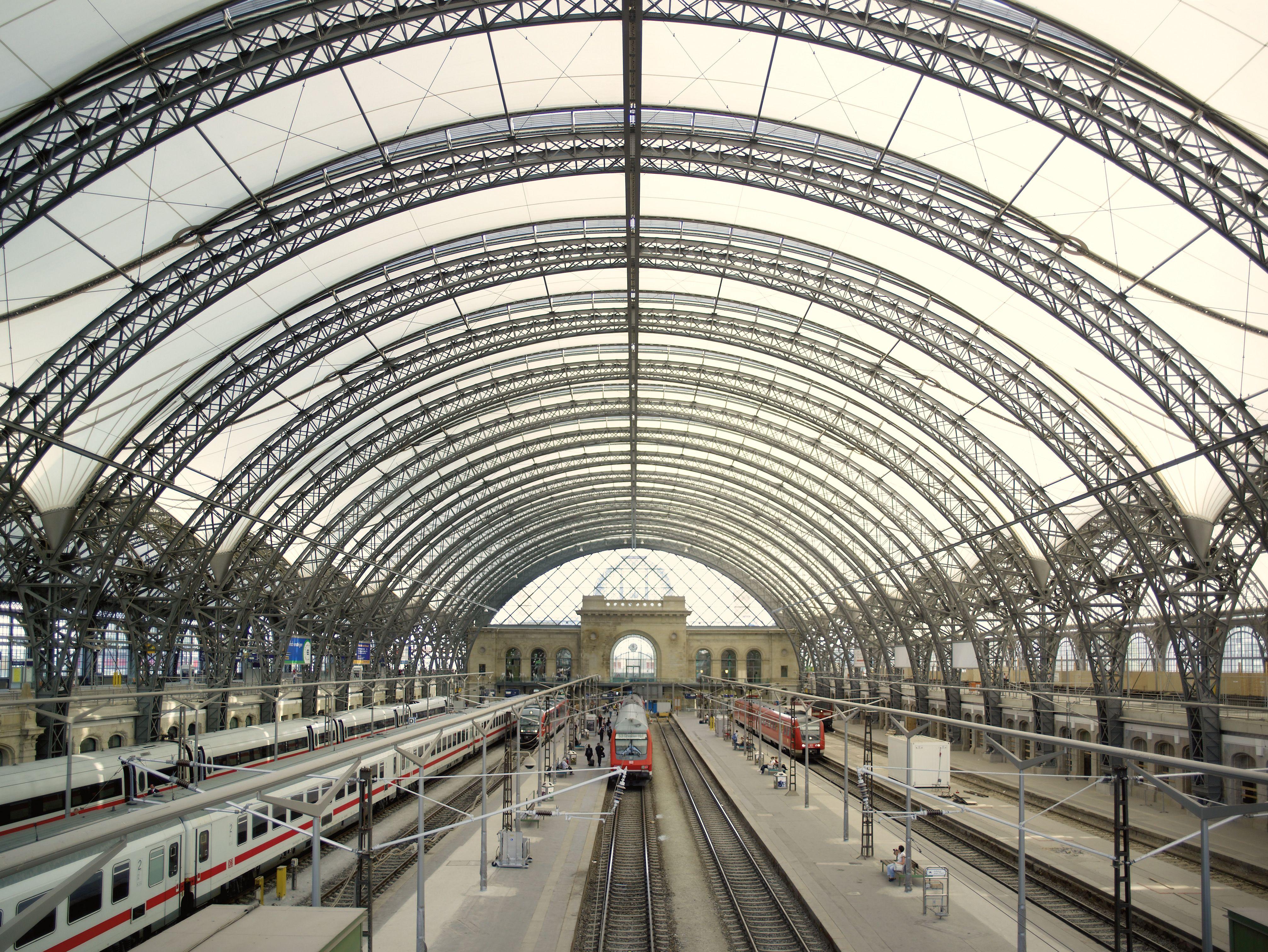 Dresden Station, Dresden, Germany, 1997-2006 / Foster+Partners
