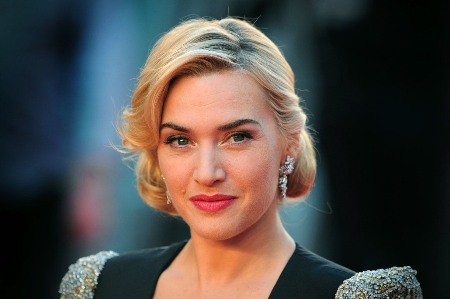 26 Female Celebrities With Big Noses Who Are Totally Rocking Their Classic Beauty Kate Winslet Kate Winslet Height Celebrities Female
