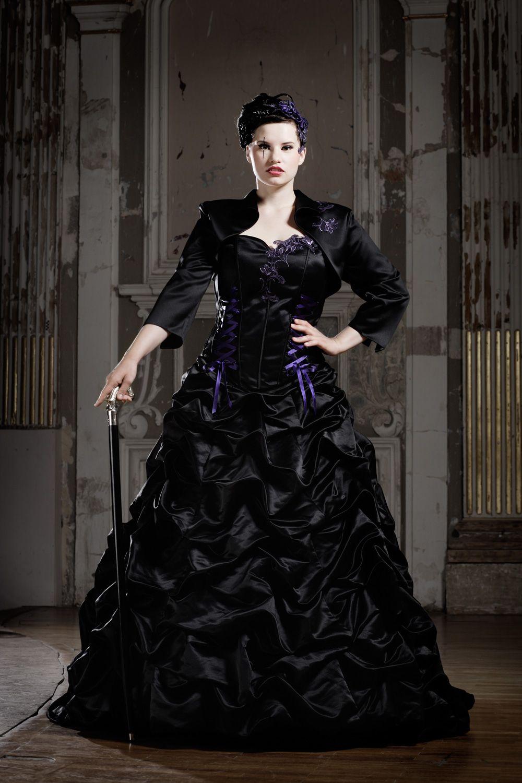 Feist Curve Size Lucardis Feist Extravagante Brautmode Hochzeitsanzuge Und Ausgefallene Gehrocke Brautmode Hochzeitskleid Corsage Brautkleid