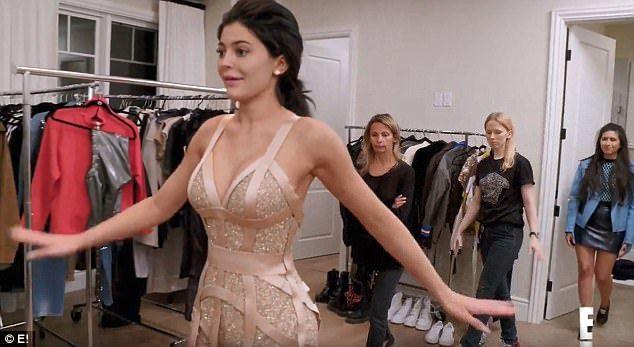 Kylie Jenner Slips Into Sexy Versace Cage Dress Kylie