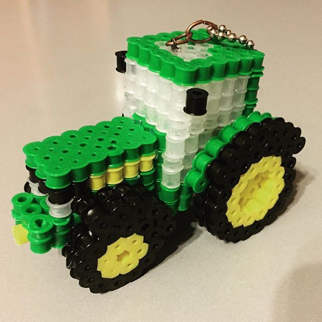 3d tractor perler beads by terukoh perler beads pinterest hama perles hama et perles. Black Bedroom Furniture Sets. Home Design Ideas