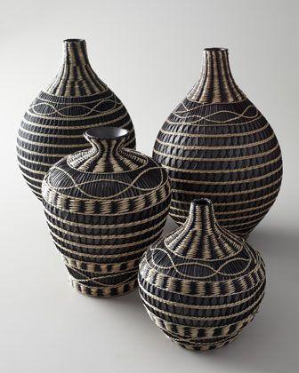 Bulb shaped ceramic vase