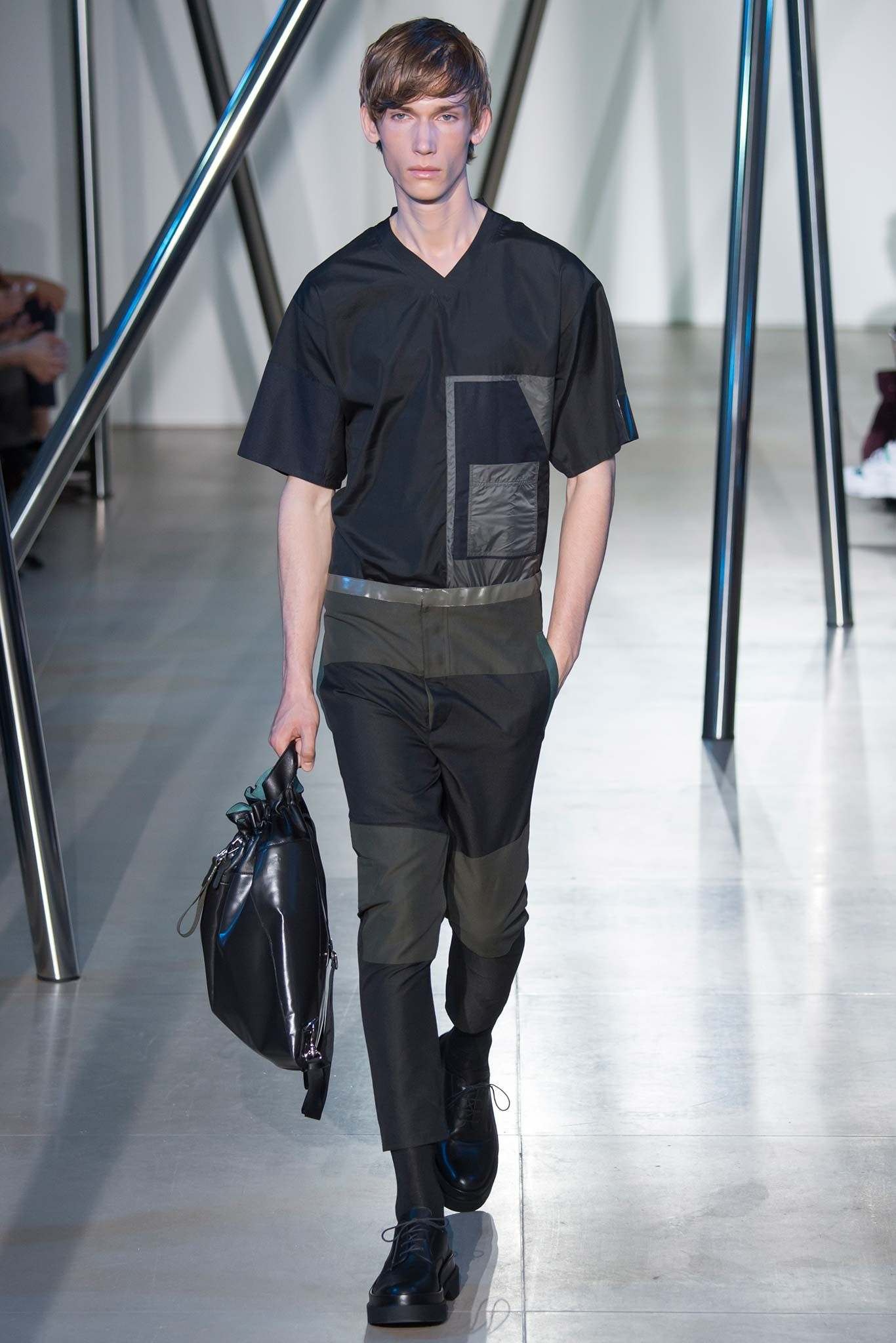 Jil Sander - Spring 2016 Menswear - Look 10 of 34?url=http://www.style.com/slideshows/fashion-shows/spring-2016-menswear/jil-sander/collection/10