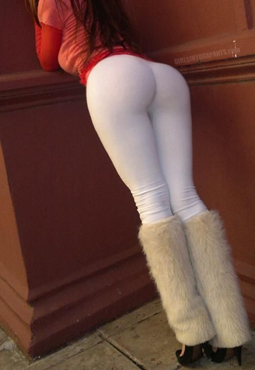 The Most Perfect Booty | THE PERFECT ASS IN WHITE YOGA PANTS ...