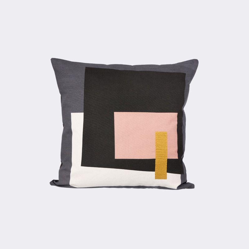Color blocked cushion