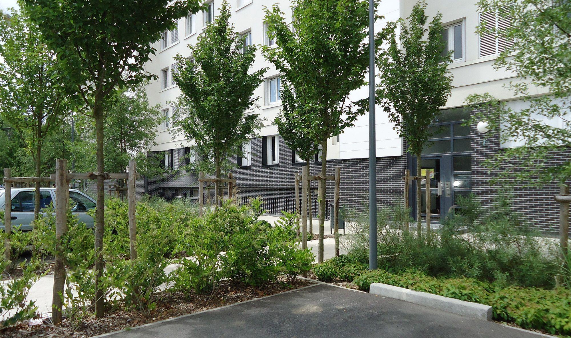 Réaménagement des espaces paysagers création d un parking