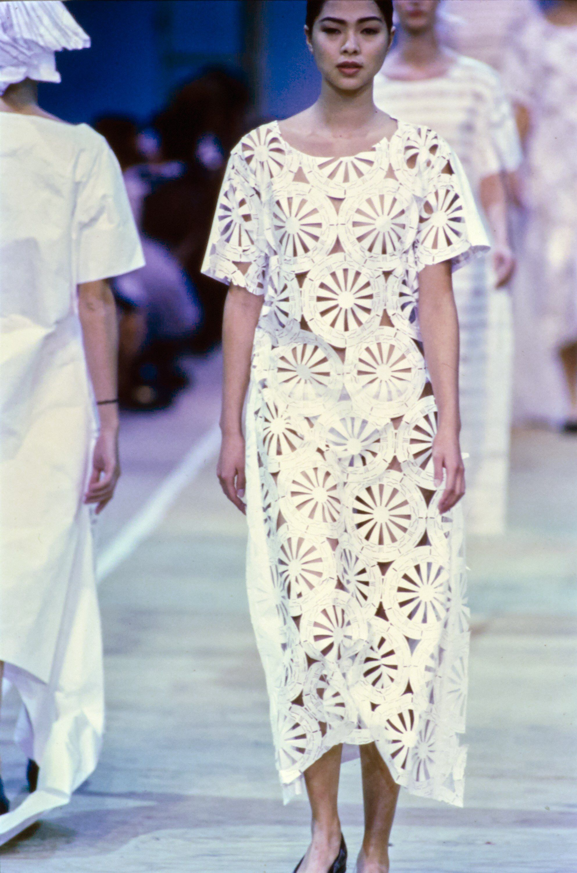 b605fb5fc17458 Comme des Garçons Spring 1992 Ready-to-Wear Fashion Show Collection: See  the complete Comme des Garçons Spring 1992 Ready-to-Wear collection. Look 3