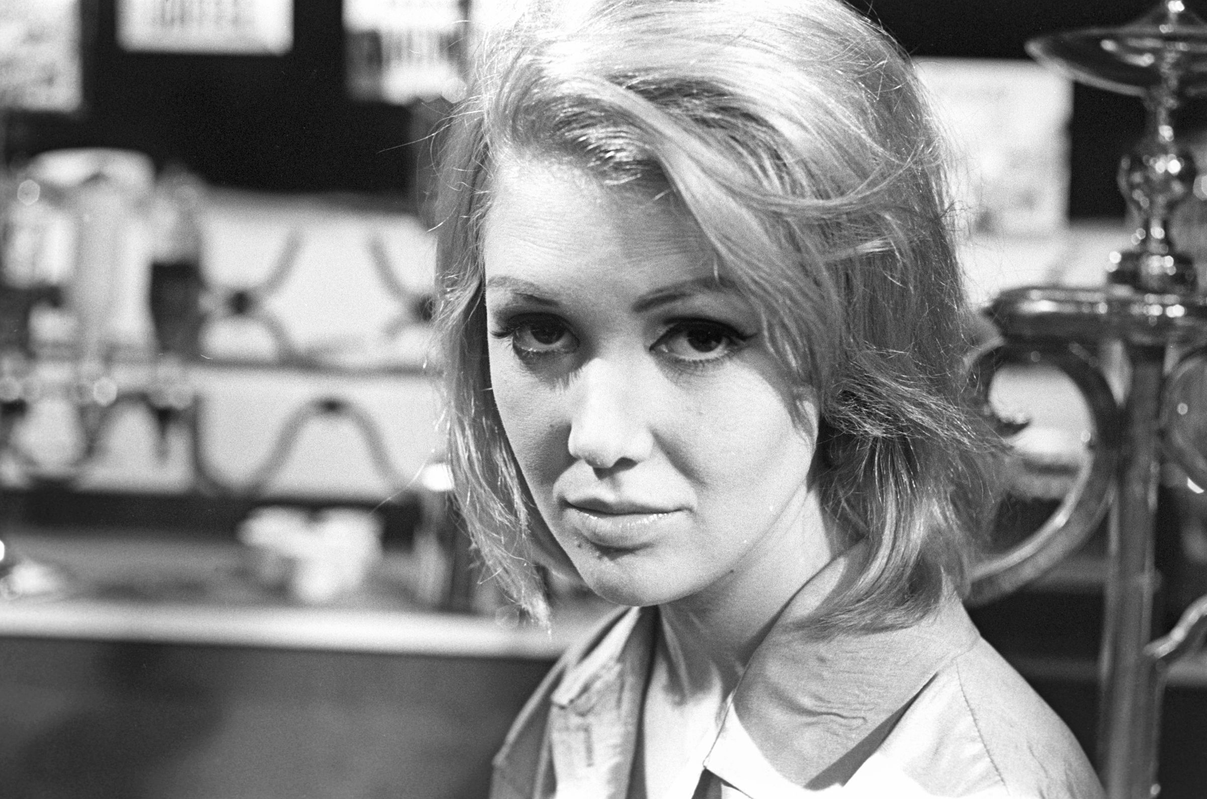 Watch Annette Andre video