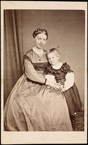 +~+~ Antique Photograph ~+~+  Sweet Mother and daughter ~ 1870 Trondhjem, Norway.