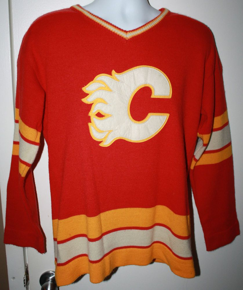 Reebok by Roger Edwards Calgary Flames 1980-81 Heritage Knit Mens Large  Sweater 73dc9cee3