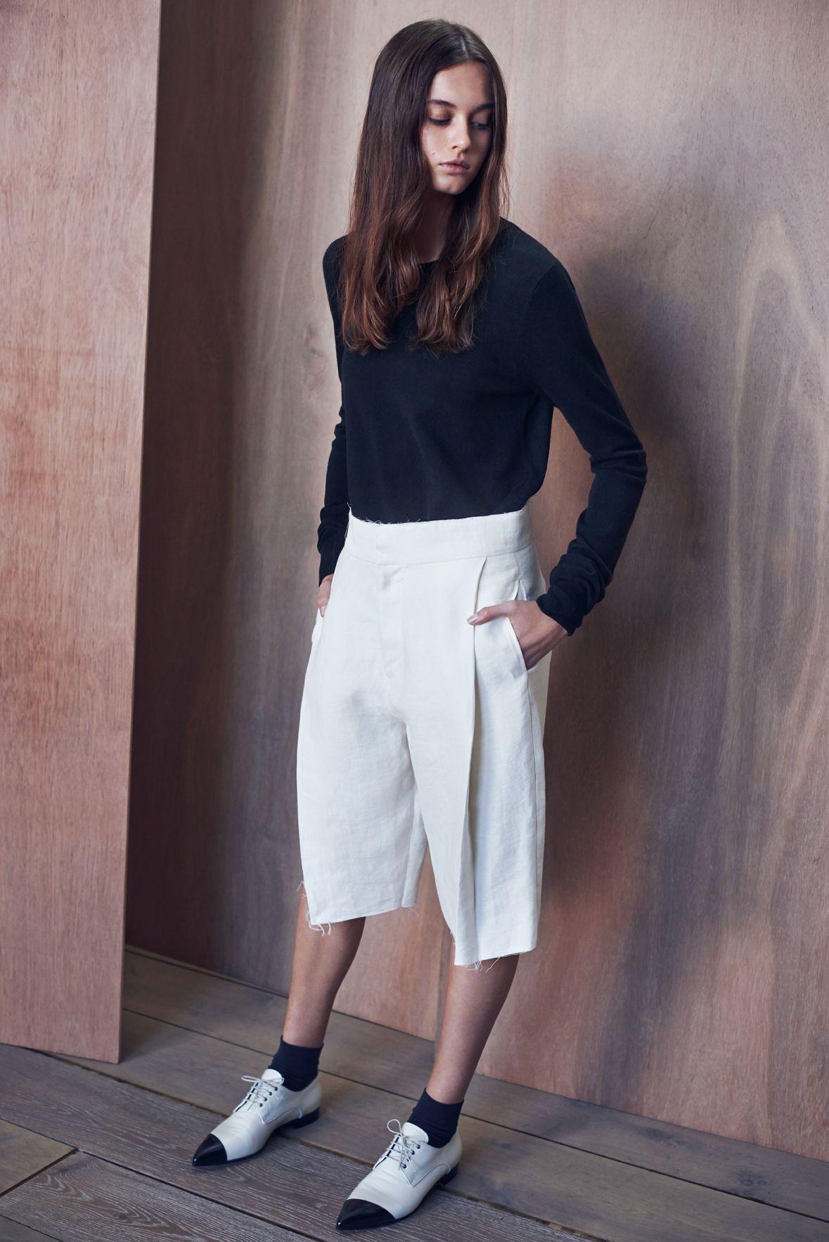 crew neck layering knit | http://bssk.co/1DMpMMk | linen twill tailored short | http://bssk.co/18fnt96