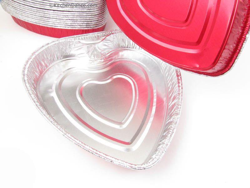 KitchenDance - Foil heart shaped pan