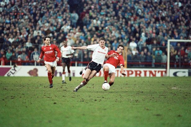 Gary Pallister in action in 1990