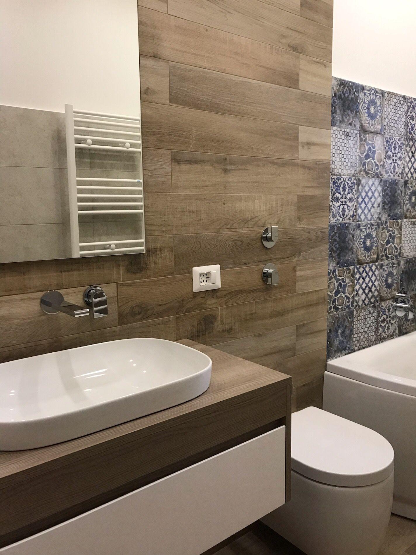 Rivestimento Bagno Con Maioliche bagno con vasca idromassaggio e rivestimento in grès simil