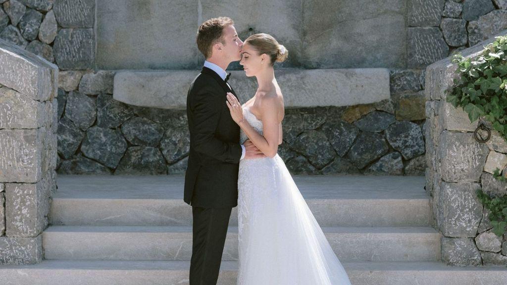 Mario Gotze Und Ann Kathrin Brommel Haben Ein Zweites Mal Ja Gesagt Hochzeitsfotos Mario Braut