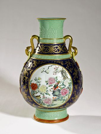 An 86 Million Vase And Other Items From The Chinese Antiques Boom