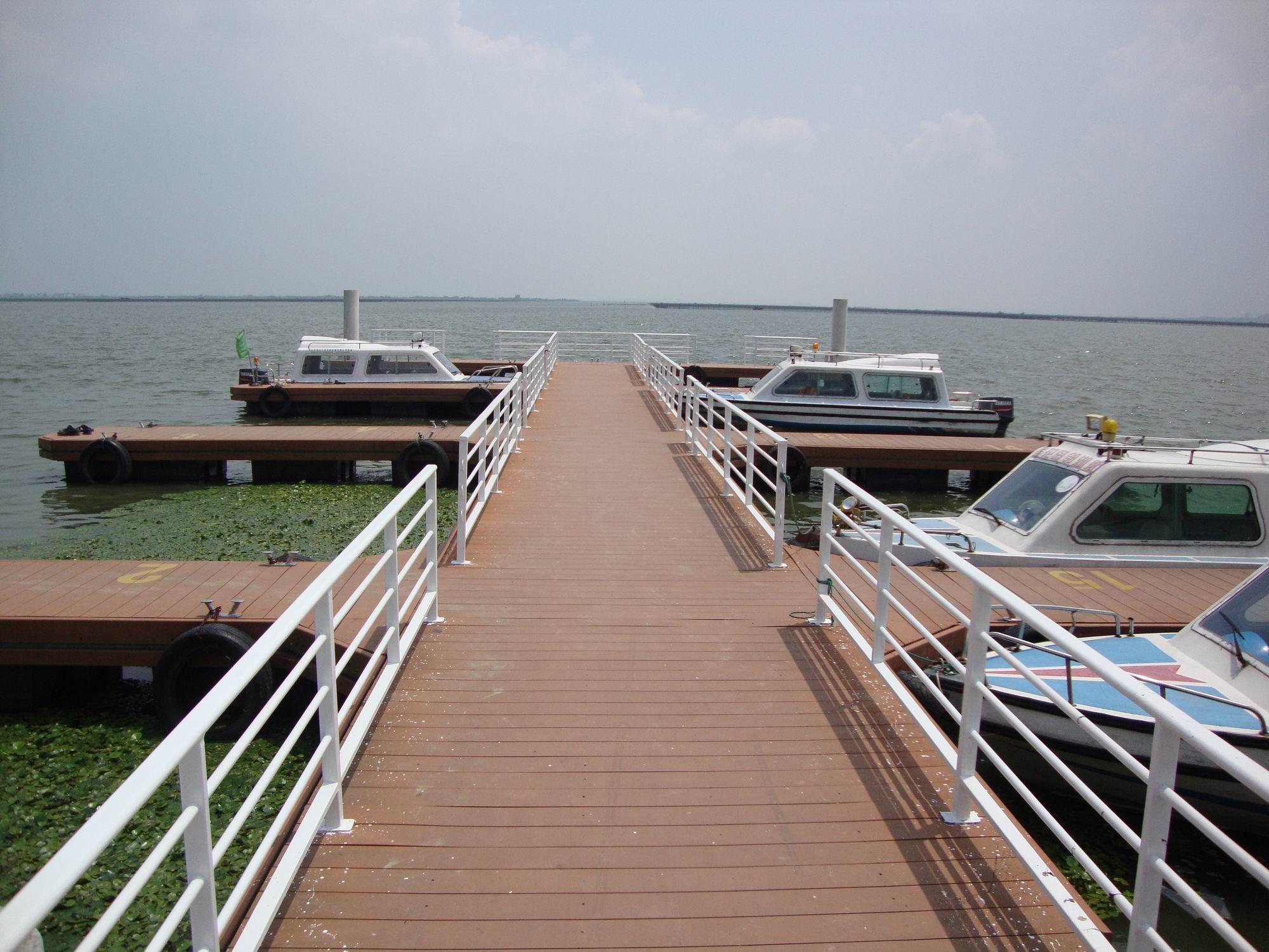 composite deck joist span table,composite decking supplier