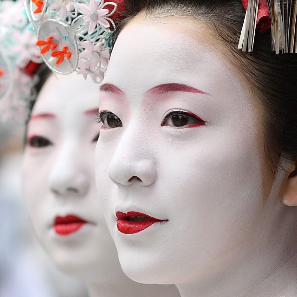 Traditional Geisha Makeup