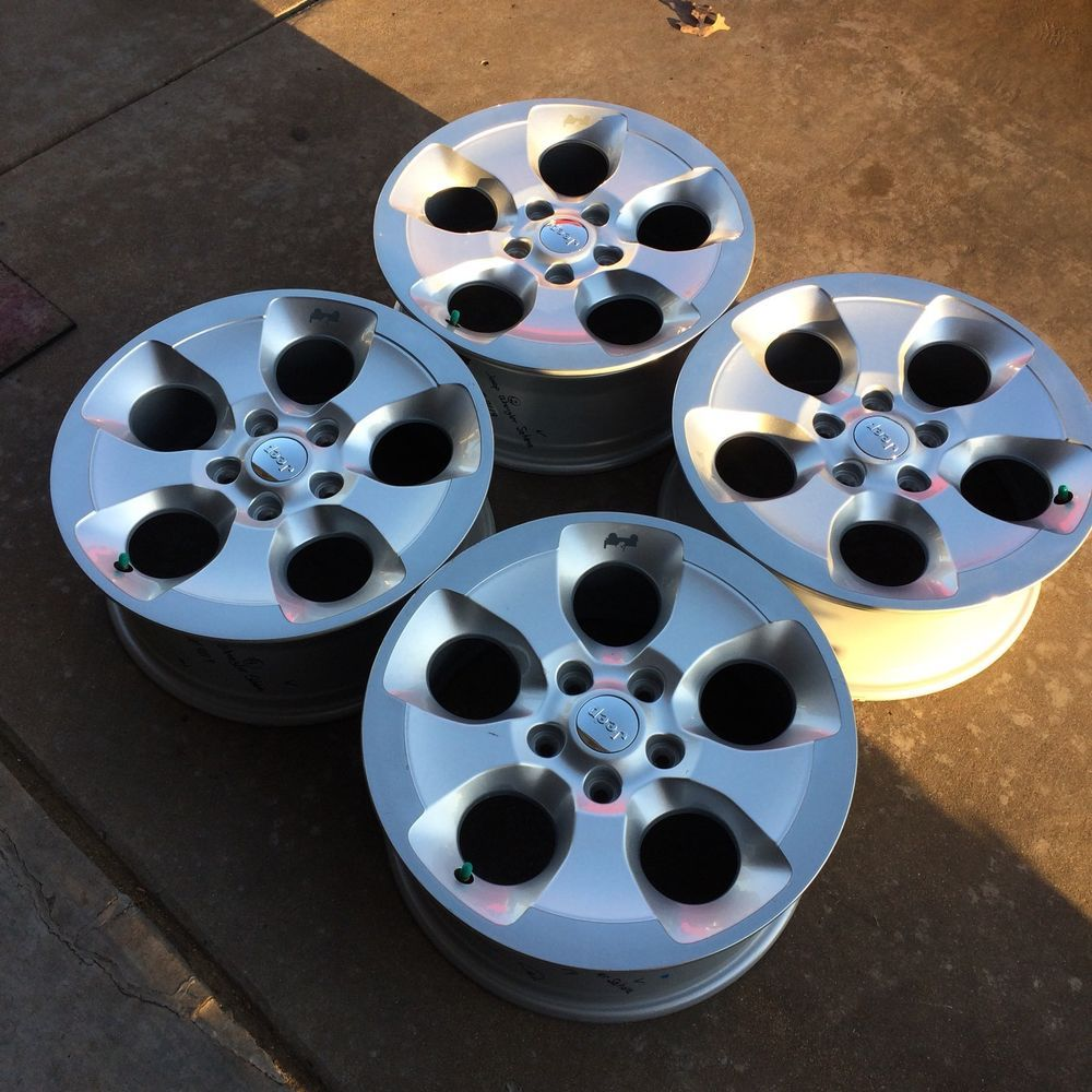 Set Of Four Wheels Rims 16 Inch 00 to 03 Polished Chevy Silverado ...