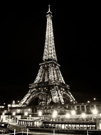 Eiffel Tower - Bateau mouche vedette de Paris - France Photographic Print at AllPosters.com