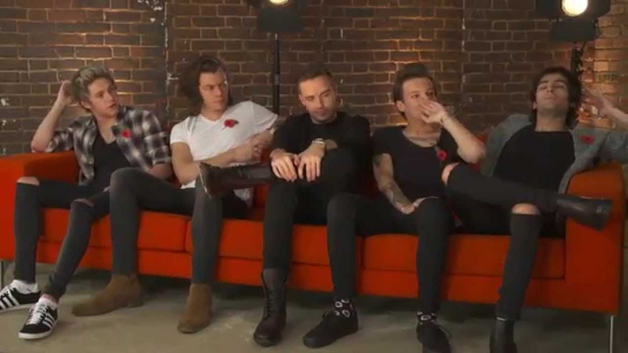 1D FOUR HANGOUT>>Harry's sneezes the awesome closeups Niall and harry laughed for 10 years about not having gfs. just havin a good time guys #onedirection2014 1D FOUR HANGOUT>>Harry's sneezes the awesome closeups Niall and harry laughed for 10 years about not having gfs. just havin a good time guys #onedirection2014
