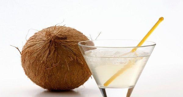 5 Benefits Of Coconut Water For Women