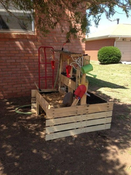 Gartenideen diy  Pallet garden furniture for kids. DIY. Sandkasten Spielkiste für ...