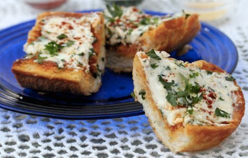 Cream Cheese Garlic Bread