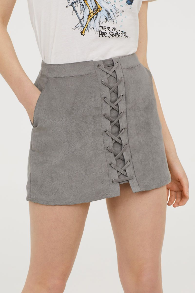 240055221 Short Skirt | Gray | DIVIDED | H&M US | need/style/inspo | Dressy ...