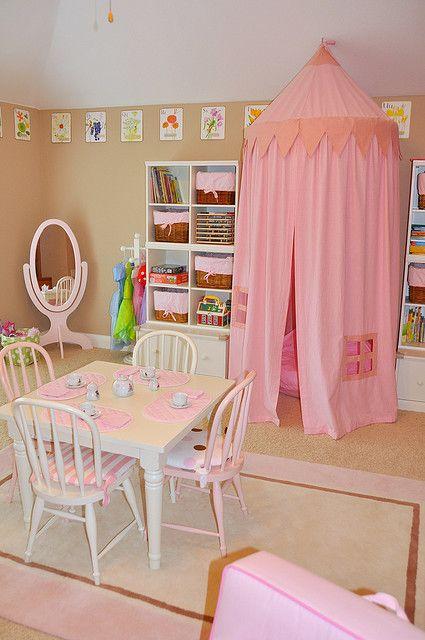 Mill**-playroom 046 Salles de jeux, Table enfant et Jeu